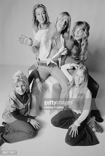 Singer Jim 'Dandy' Mangrum of American Southern rock group Black Oak Arkansas with a group of female friends 23rd September 1974