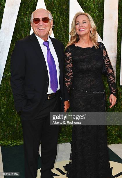 Singer Jimmy Buffet and Jane Slagsvol arrives at the 2013 Vanity Fair Oscar Party hosted by Graydon Carter at Sunset Tower on February 24 2013 in...