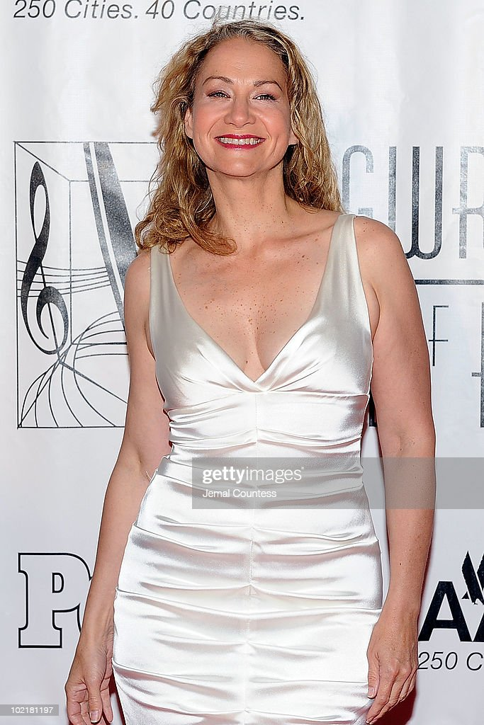 41st Annual Songwriters Hall of Fame Ceremony - Red Carpet