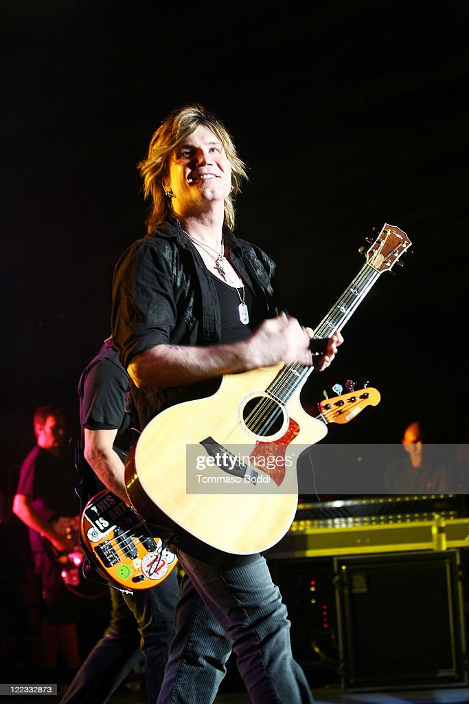 Singer John Rzeznik of the Goo Goo Dolls performs at the Greek Theatre on August 27, 2011 in Los Angeles, California.