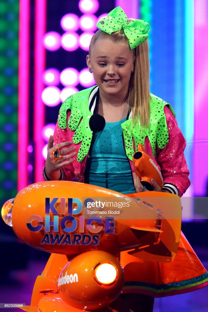 Singer JoJo Siwa accepts the award for Favorite Viral Music Artist onstage at the Nickelodeon's 2017 Kids' Choice Awards at USC Galen Center on March 11, 2017 in Los Angeles, California.