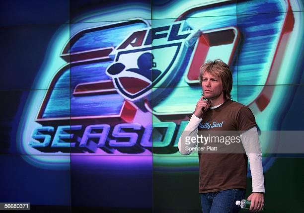 Singer Jon Bon Jovi coowner of the Arena Football League's Philadelphia Soul attends the closing of the NASDAQ MarketSite January 26 2006 in New York...