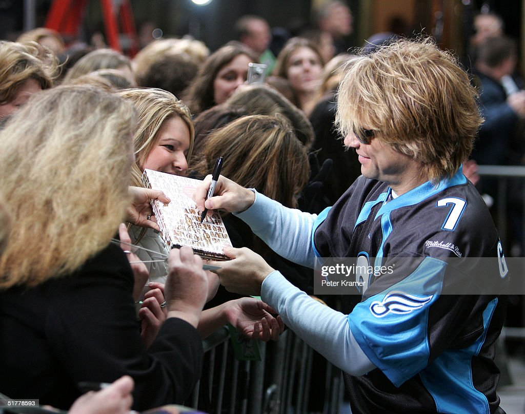 Bon Jovi Performs On The Today Show : News Photo