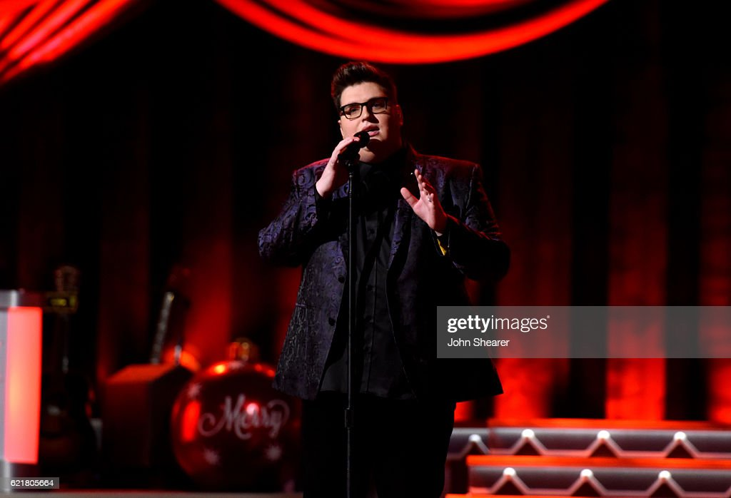 Singer Jordan Smith performs on stage during the CMA 2016 Country ...