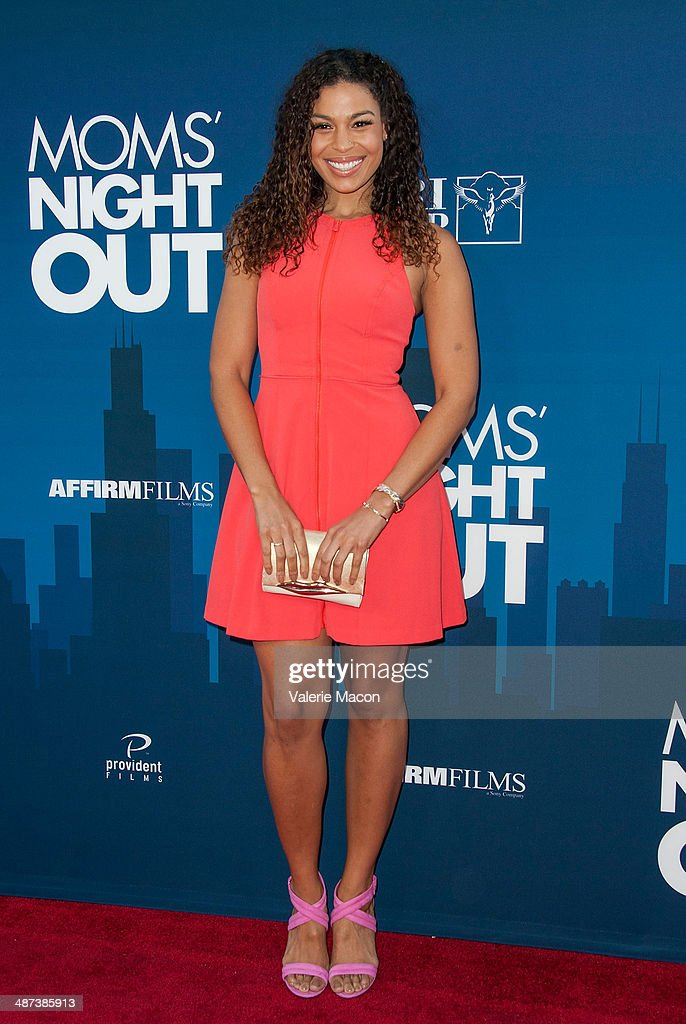 """Premiere Of TriStar Picture's """"Mom's Night Out"""" - Arrivals : News Photo"""
