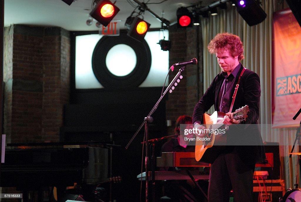 Tribeca/ASCAP Music Lounge Presents Josh Ritter At Canal Room : Nachrichtenfoto