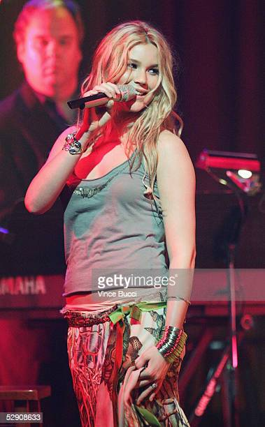Singer Joss Stone performs during a musical tribute to Icon Award recipient Paul Simon at the 53rd Annual BMI Pop Awards on May 17 2005 in Beverly...