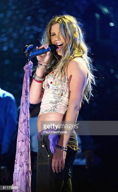 Singer Joss Stone performs during VH1's Inside Track 2004 concert at Roseland Ballroom August 16 2004 in New York City