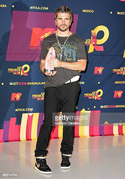 Singer Juanes poses in the press room during the 7th Annual 'Los Premios MTV Latin America 2008' Awards held at the Auditorio Telmex on October 16...