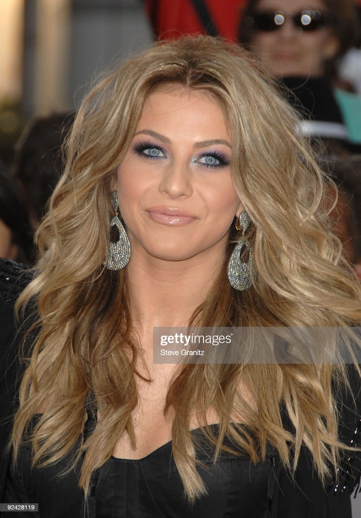Singer Julianne Hough arrives at the Los Angeles Premiere of 'This Is It' held at Nokia Theatre L.A. Live on October 27, 2009 in Los Angeles, California.