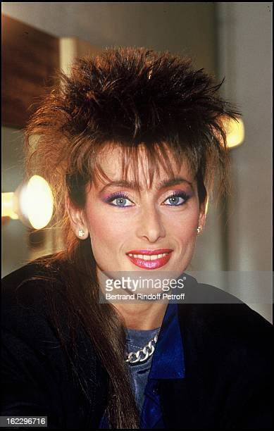 Singer Julie Pietri in front of her dressing room before a TV broadcast in 1986.