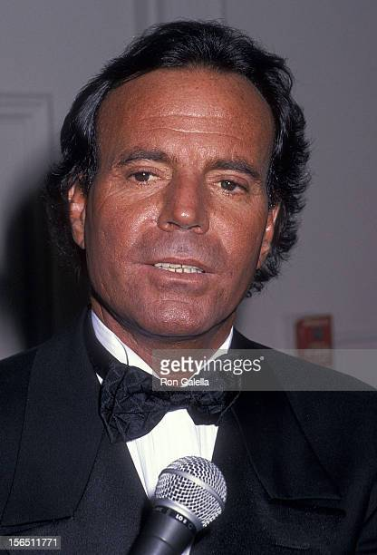 Singer Julio Iglesias attends the Sixth Annual American Cinema Awards on January 6 1989 at the Beverly Hilton Hotel in Beverly Hills California