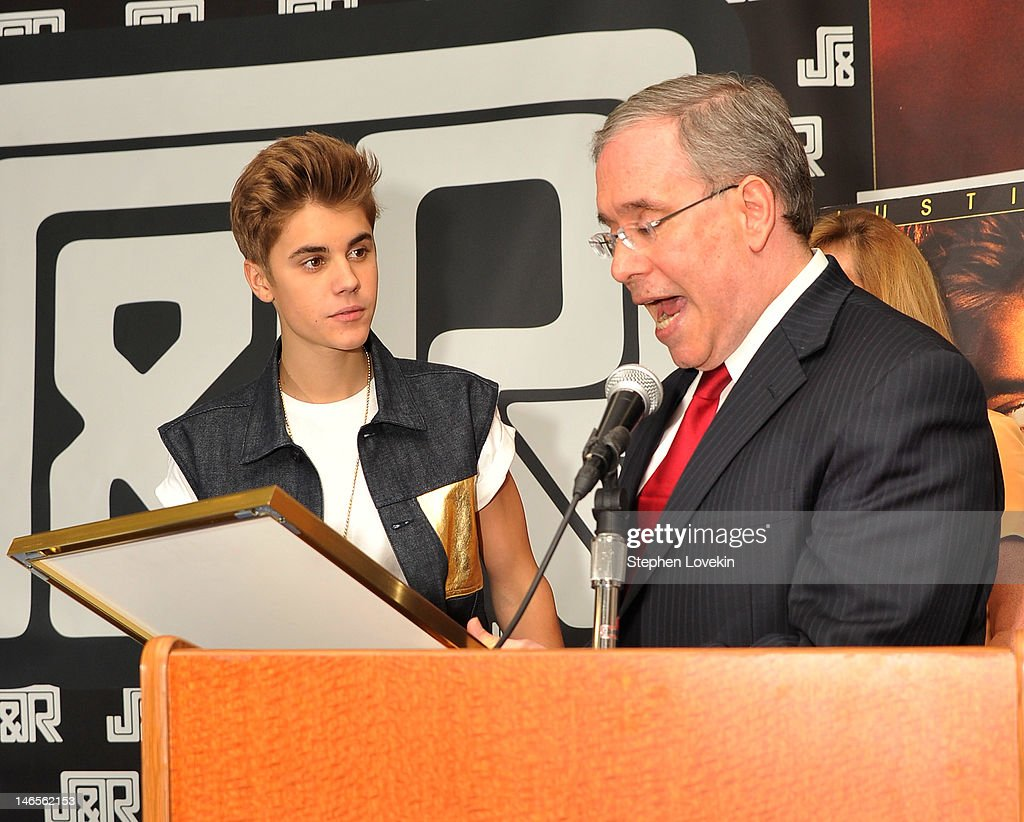 Justin Bieber Autograph Signing And Fan Meet And Greet Photos And