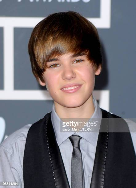Singer Justin Bieber arrives at the 52nd Annual GRAMMY Awards held at Staples Center on January 31, 2010 in Los Angeles, California.