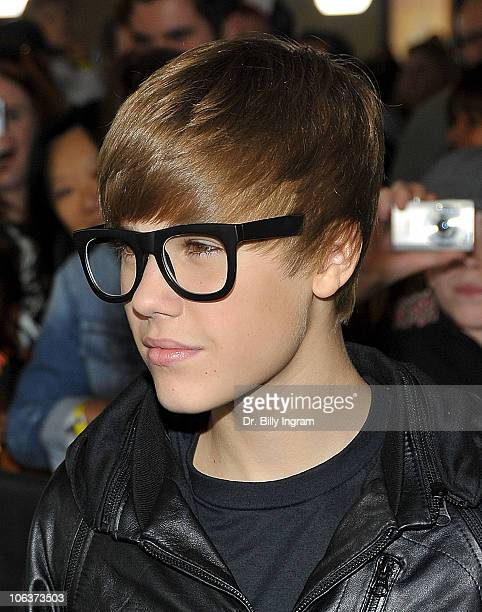 Singer Justin Bieber arrives at the 'Megamind' Los Angeles Premiere at Mann Chinese 6 on October 30 2010 in Los Angeles California