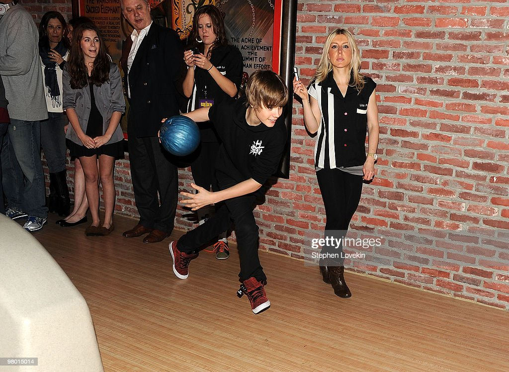 Singer Justin Bieber attends 92.3 NOW's 'Bowling with Bieber' record release party at Lucky Strike Lanes & Lounge on March 23, 2010 in New York City.