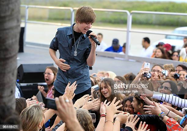 40 Justin Bieber Performs Live On Cbs News The Early Show