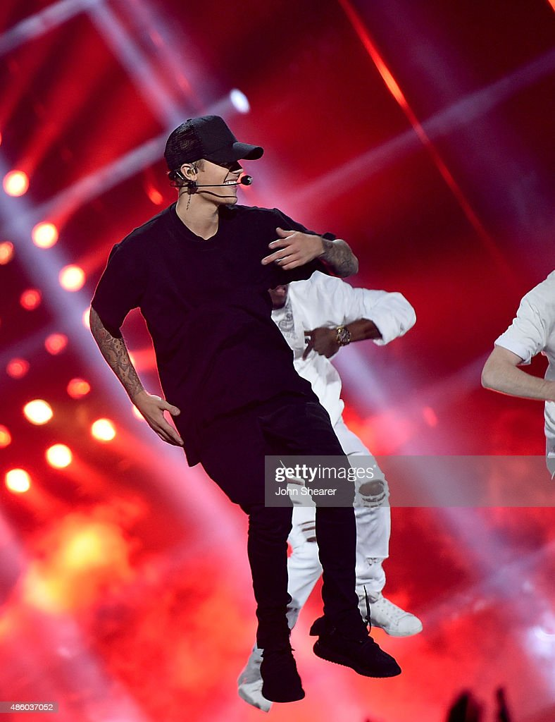 Singer Justin Bieber performs onstage during the 2015 MTV Video Music Awards at Microsoft Theater on August 30, 2015 in Los Angeles, California.