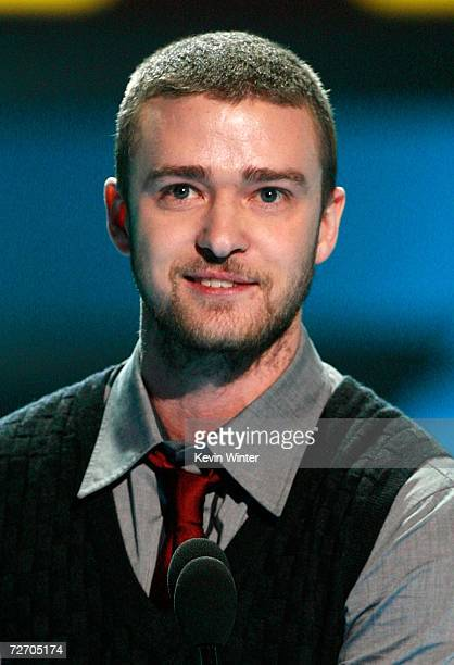 Singer Justin Timberlake accepts the award for Big Music Artist onstage during the VH1 Big in '06 Awards held at Sony Studios on December 2 2006 in...