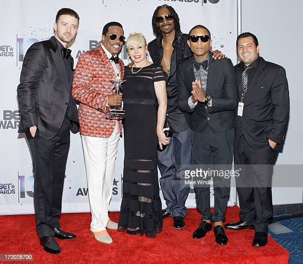 Singer Justin Timberlake BET Lifetime Achievement Award recipient musician Charlie Wilson wife Mahin Wilson rapper Snoop Lion Pharrell Williams and...