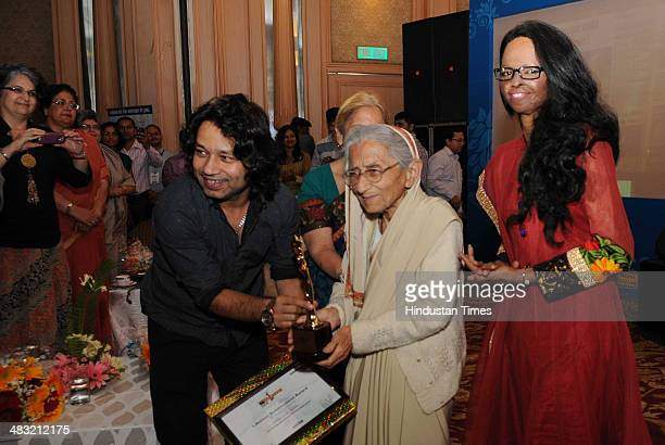 Singer Kailash Kher and acid attack victim the special guest for the event Laxmi felicitate Swaropp Kumari Bakshi with lifetime achievement award...
