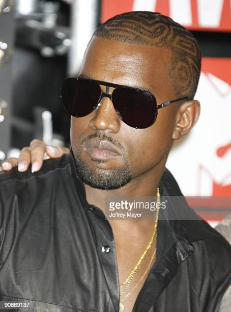 Singer Kanye West attends the 2009 MTV Video Music Awards at Radio City Music Hall on September 13 2009 in New York City