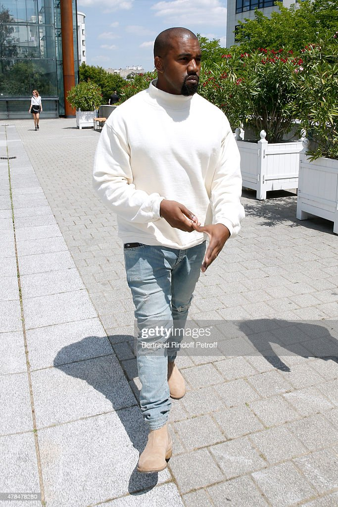 Singer Kanye West attends the Louis Vuitton Menswear Spring/Summer 2016 show as part of Paris Fashion Week on June 25, 2015 in Paris, France.