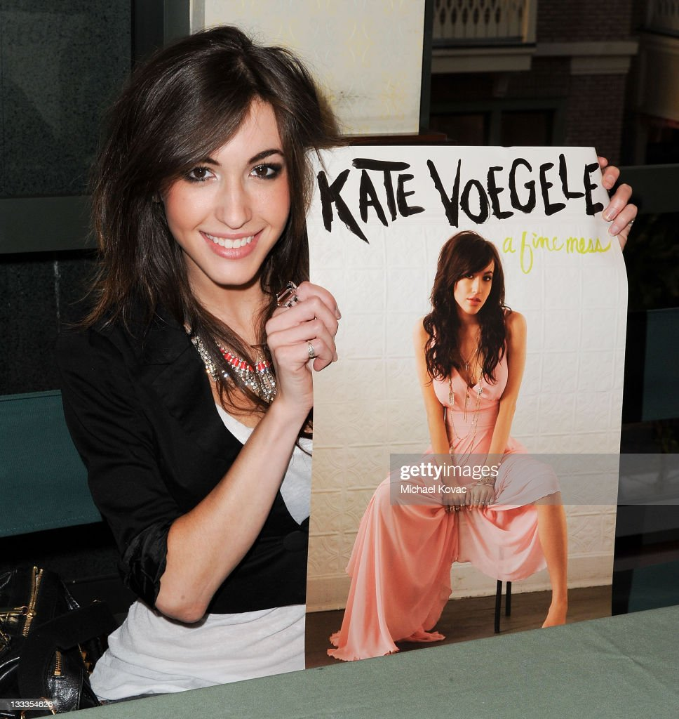 0b88c8f4bd1 Oakley Beckon Kate Voegele « One More Soul