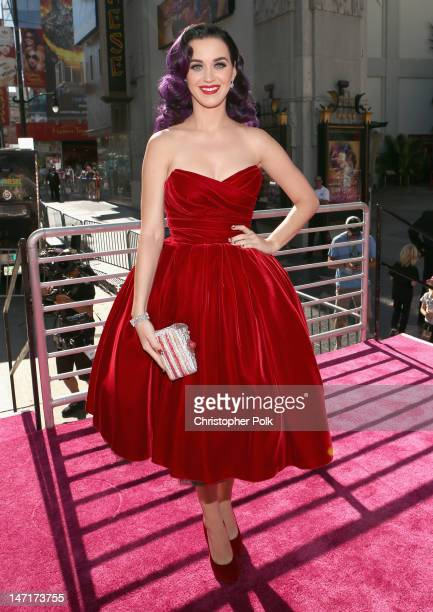 Singer Katy Perry arrives at Katy Perry Part Of Me Los Angeles Premiere at Grauman's Chinese Theatre on June 26 2012 in Hollywood California The...