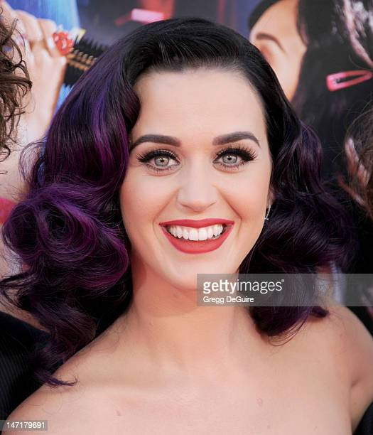 Singer Katy Perry arrives at 'Katy Perry Part Of Me' premiere at Grauman's Chinese Theatre on June 26 2012 in Hollywood California The premiere also...
