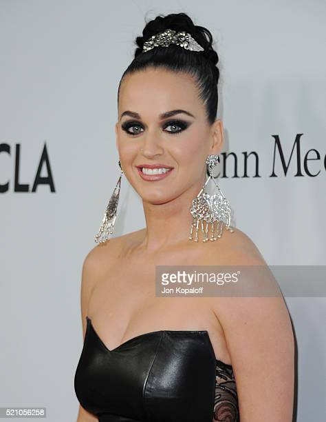 Singer Katy Perry arrives at Sean Parker And The Parker Foundation Launch The Parker Institute For Cancer Immunotherapy Gala on April 13 2016 in Los...