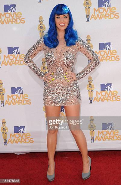 Singer Katy Perry arrives at the 2010 MTV Movie Awards Arrivals at Gibson Amphitheatre on June 6 2010 in Universal City California
