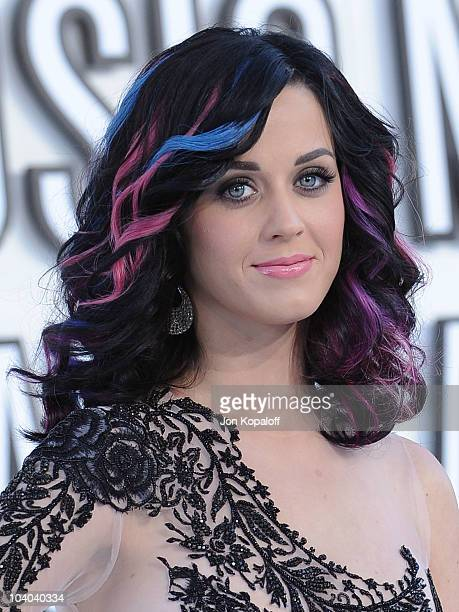 Singer Katy Perry arrives at the 2010 MTV Video Music Awards at Nokia Theatre LA Live on September 12 2010 in Los Angeles California