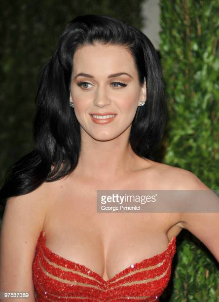 Singer Katy Perry arrives at the 2010 Vanity Fair Oscar Party hosted by Graydon Carter held at Sunset Tower on March 7 2010 in West Hollywood...