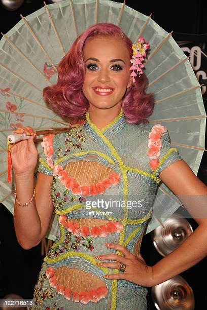 Singer Katy Perry arrives at the 2011 MTV Video Music Awards at Nokia Theatre LA Live on August 28 2011 in Los Angeles California
