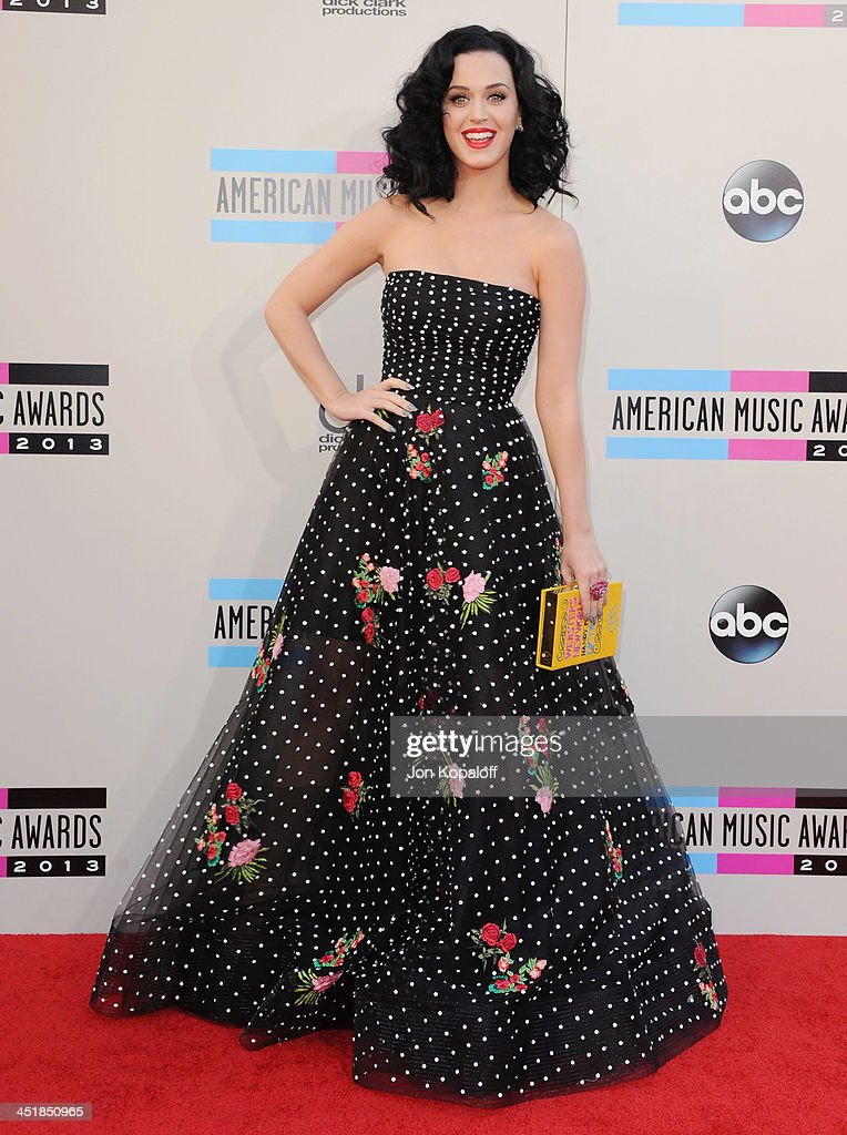 Singer Katy Perry arrives at the 2013 American Music Awards at Nokia Theatre L.A. Live on November 24, 2013 in Los Angeles, California.