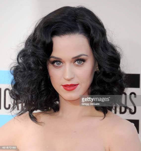 Singer Katy Perry arrives at the 2013 American Music Awards at Nokia Theatre LA Live on November 24 2013 in Los Angeles California