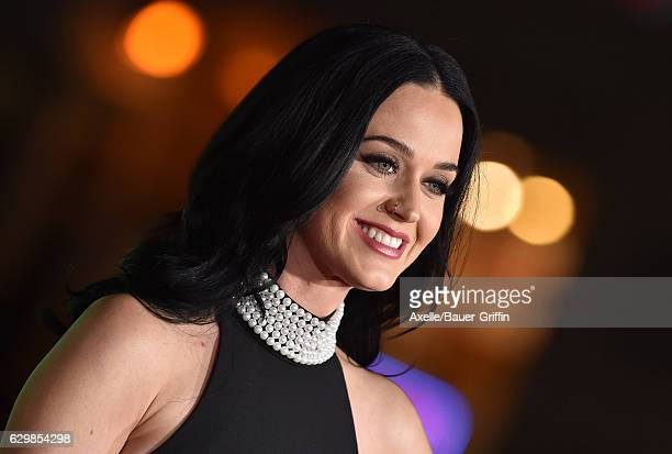Singer Katy Perry arrives at the Los Angeles Premiere of 'Office Christmas Party' at Regency Village Theatre on December 7, 2016 in Westwood,...