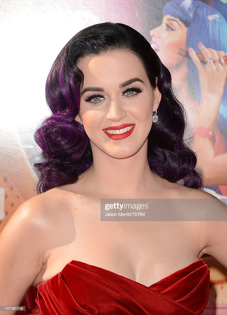 """Premiere Of Paramount Insurge's """"Katy Perry: Part Of Me"""" - Arrivals : News Photo"""