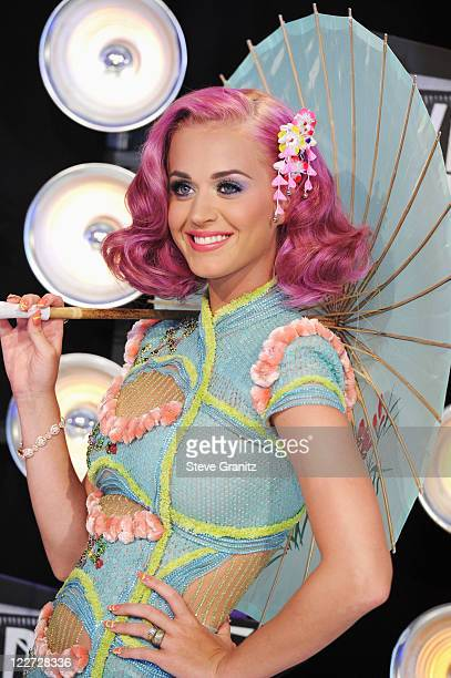Singer Katy Perry arrives at the The 28th Annual MTV Video Music Awards at Nokia Theatre LA LIVE on August 28 2011 in Los Angeles California