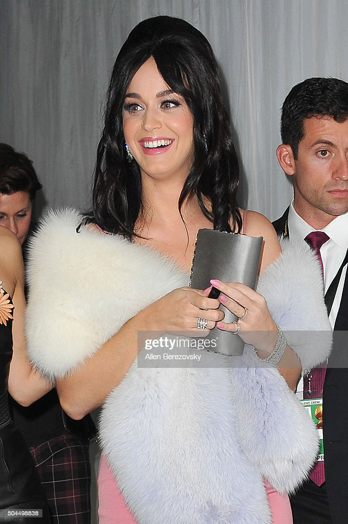 Singer Katy Perry attends Fox And FX's 2016 Golden Globe Awards Party on January 10, 2016 in Beverly Hills, California.
