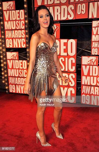 Singer Katy Perry attends the 2009 MTV Video Music Awards at Radio City Music Hall on September 13 2009 in New York City