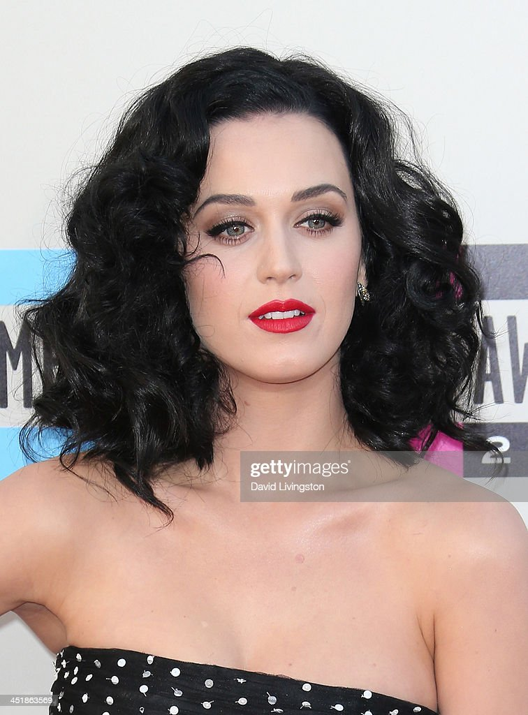 2013 American Music Awards - Arrivals : News Photo