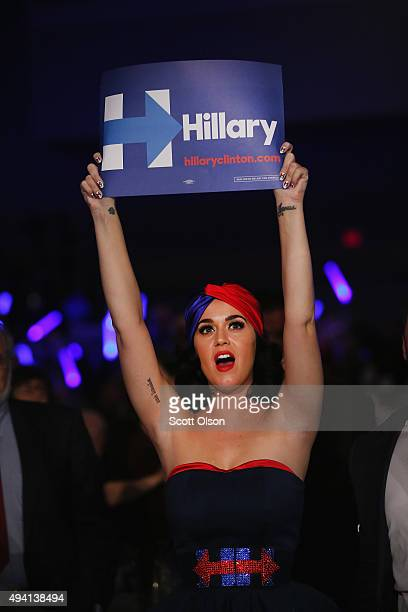 Singer Katy Perry attends the JeffersonJackson Dinner as a guest of Democratic presidential candidate Hillary Clinton on October 24 2015 in Des...