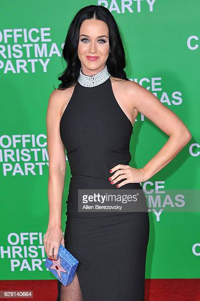 Singer Katy Perry attends the premiere of Paramount Pictures' 'Office Christmas Party' at Regency Village Theatre on December 7 2016 in Westwood...