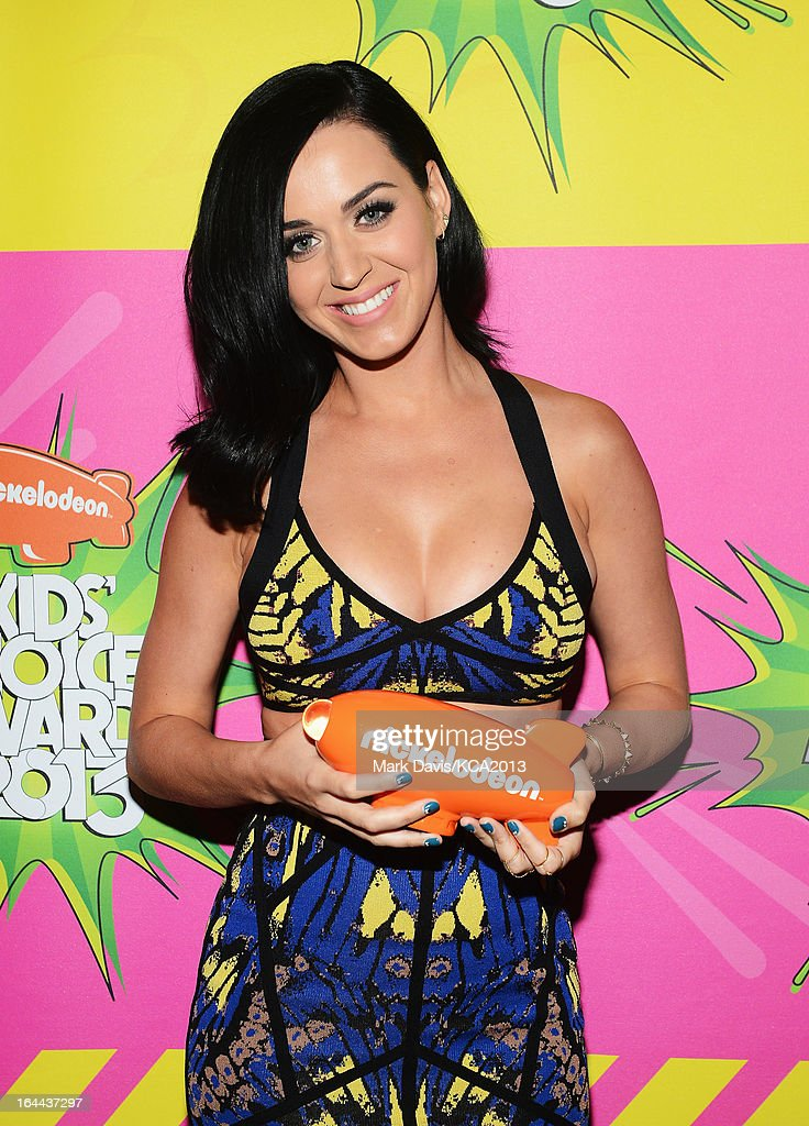 Singer Katy Perry holds the Kids' Choice Award for Favorite Female Singer backstage at Nickelodeon's 26th Annual Kids' Choice Awards at USC Galen Center on March 23, 2013 in Los Angeles, California.