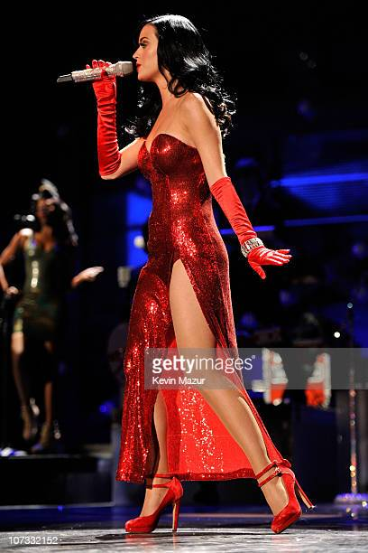 Singer Katy Perry performs during VH1 Divas Salute the Troops presented by the USO at the MCAS Miramar on December 3 2010 in Miramar California VH1...