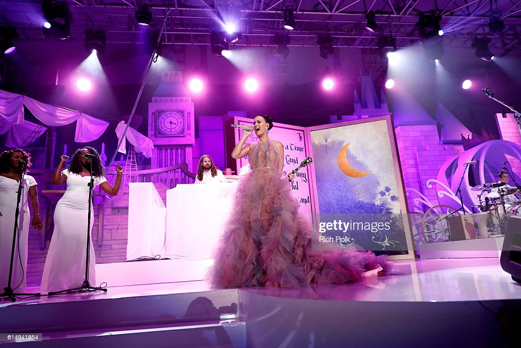 Singer Katy Perry performs onstage at 2016 Children's Hospital Los Angeles 'Once Upon a Time' Gala at The Event Deck at L.A. Live on October 15, 2016 in Los Angeles, California.