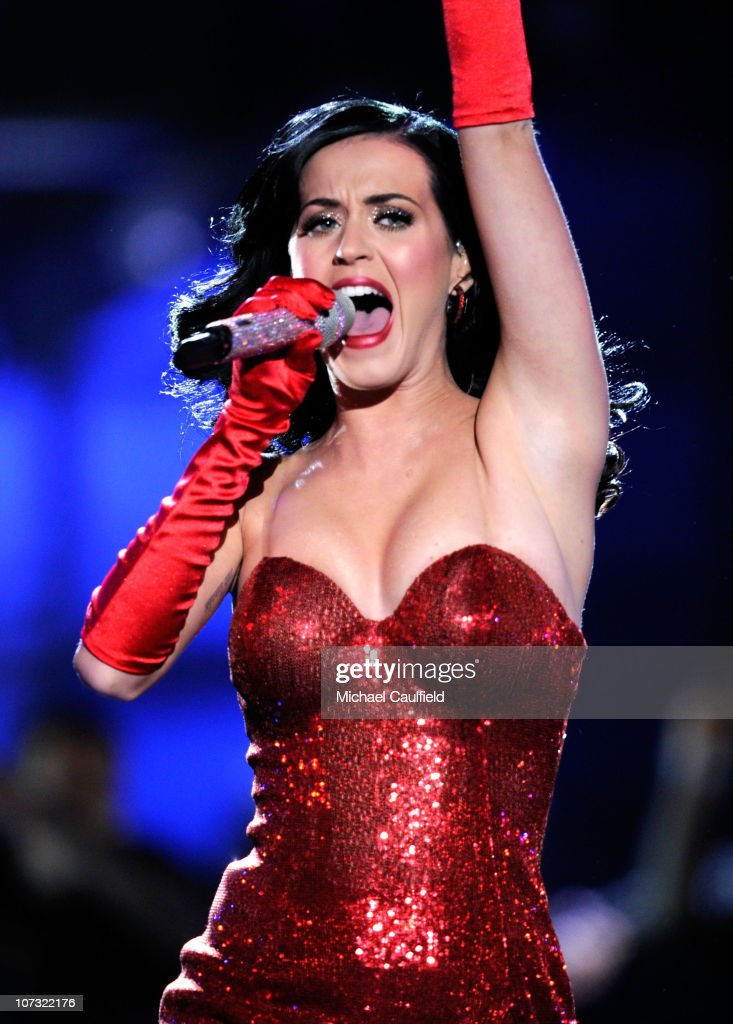 Singer Katy Perry performs onstage during 'VH1 Divas Salute the Troops' presented by the USO at the MCAS Miramar on December 3, 2010 in Miramar, California. 'VH1 Divas Salute the Troops' concert event will be televised on Sunday, December 5 at 9:00 PM ET/PT on VH1.
