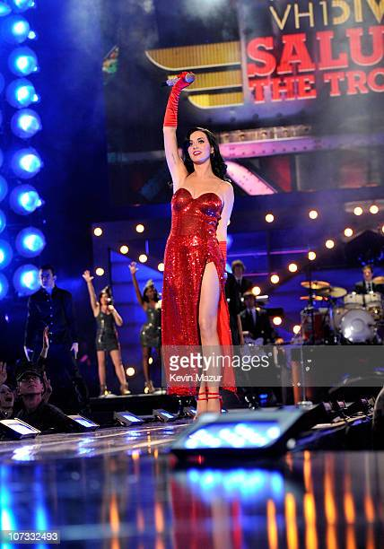 Singer Katy Perry performs onstage during VH1 Divas Salute the Troops presented by the USO at the MCAS Miramar on December 3 2010 in Miramar...
